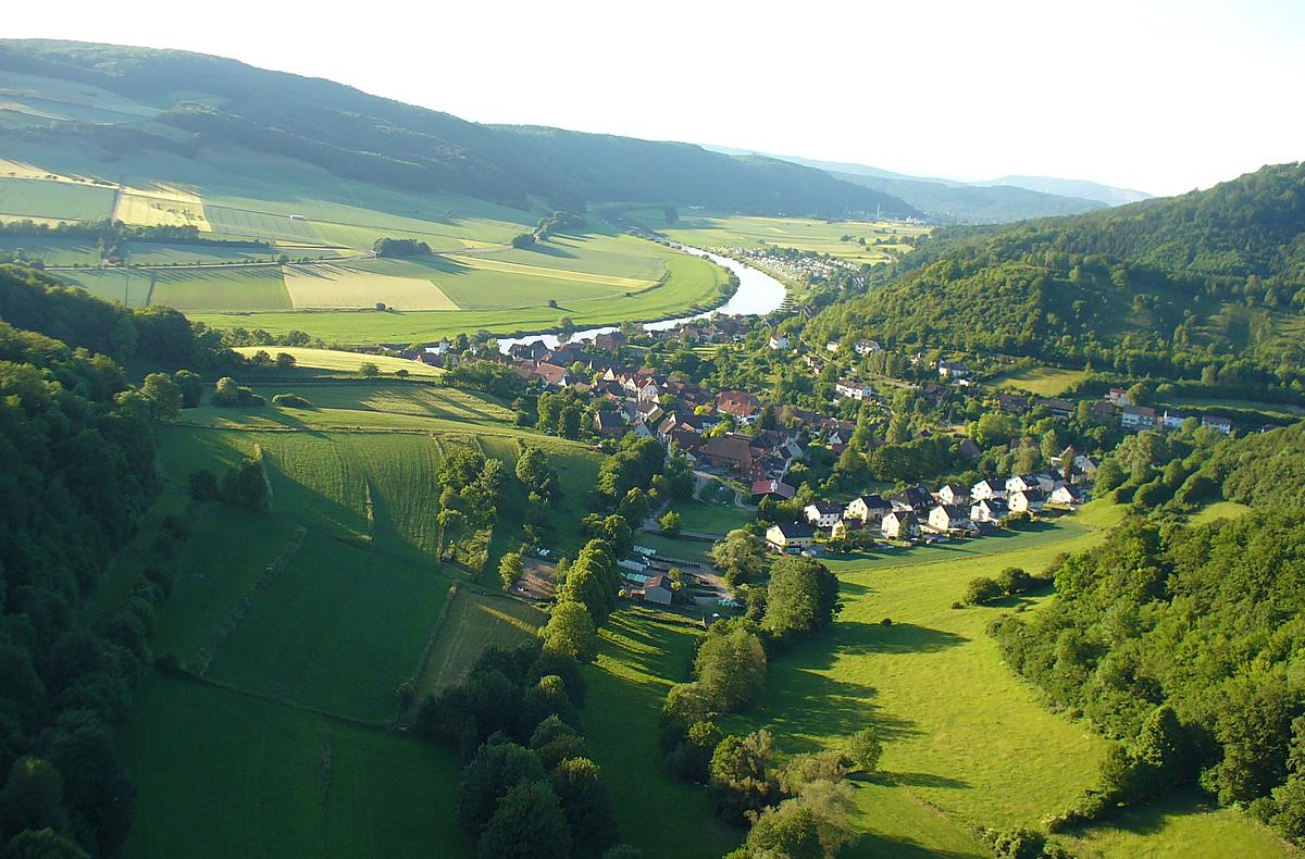 Camping Weserbergland ist Camping an der Weser in Bodenwerder, auf dem Campingplatz oder im Ferienhaus, ganz nach belieben.