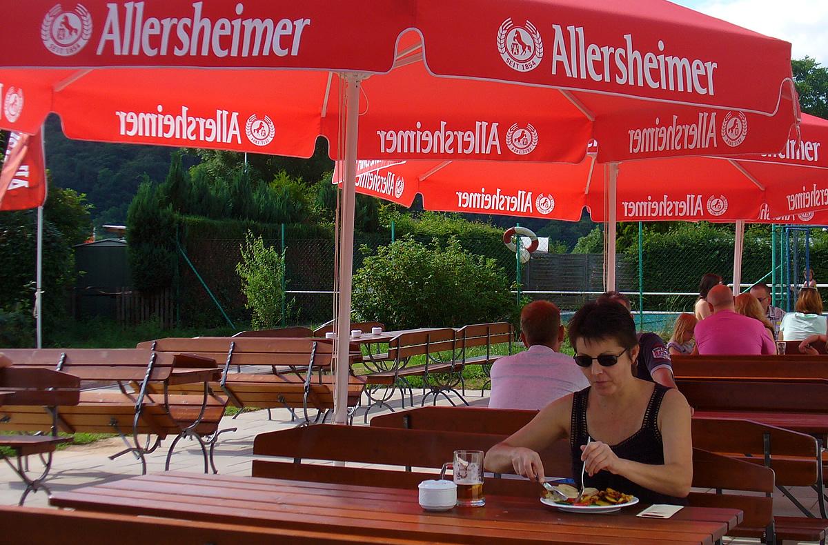 Camping an der Weser im schönen Weserbergland, auf einem Campingplatz in Bodenwerder in der Natur der Rühler Schweiz. Neben dem Camping an der Weser bieten wir auch ein Ferienhaus in Bodenwerder.